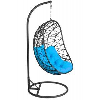 Fotel wiszący czarny technorattan z niebieskimi poduszkami